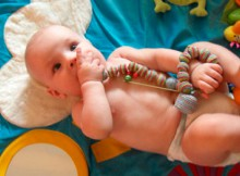 Слингобусы — аксессуар для мамы и многофункциональная развивающая игрушка для малыша.