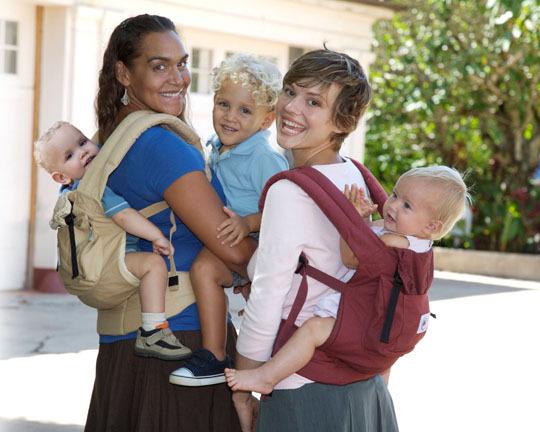 прогулка с малышами в слинге