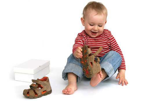 Как правильно выбирать обувь для ребенка
