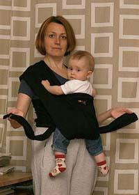 Слинг-шарф - колени ребенка недостаточно разведены в стороны